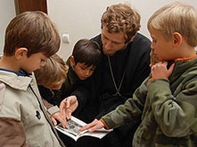 Язык Церкви для детей. <BR>Изучение церковнославянского — обогащение или проблема?