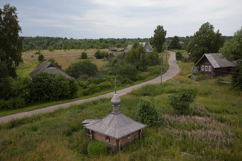 Вид с колокольни на деревню Зараменье