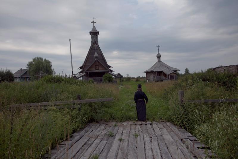 Храмовый ансамбль строился силами общины с 1992 года