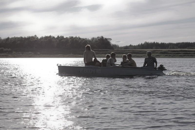 Переправа на лодках до села Большая Фехтальма