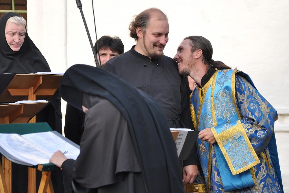 Отцы из хора Ярославской епархии