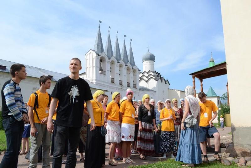 Экскурсия по Тихвинскому Успенскому монастырю