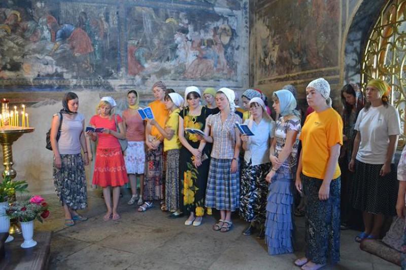 Акафист перед чудотворным образом Тихвинской иконы Божией матери, Успенский монастырь