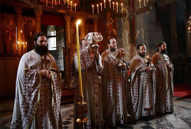 Божественная литургия в Высоких Дечанах