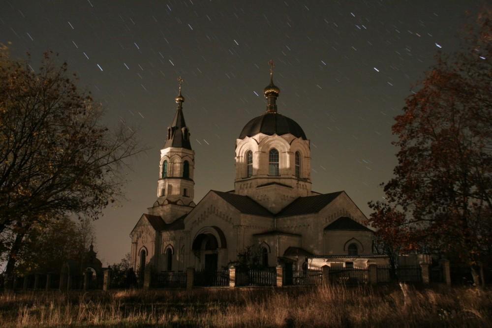 Храм святителя Николая ночью