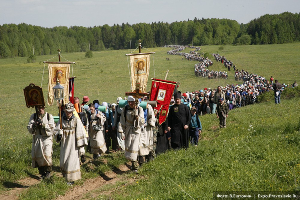 Cross procession at Velikoretsk