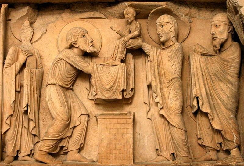 Сретение Господне, XII век. Часть тимпана западного фасада в Ла-Шарите-Сюр-Луар, Бургундия, Франция