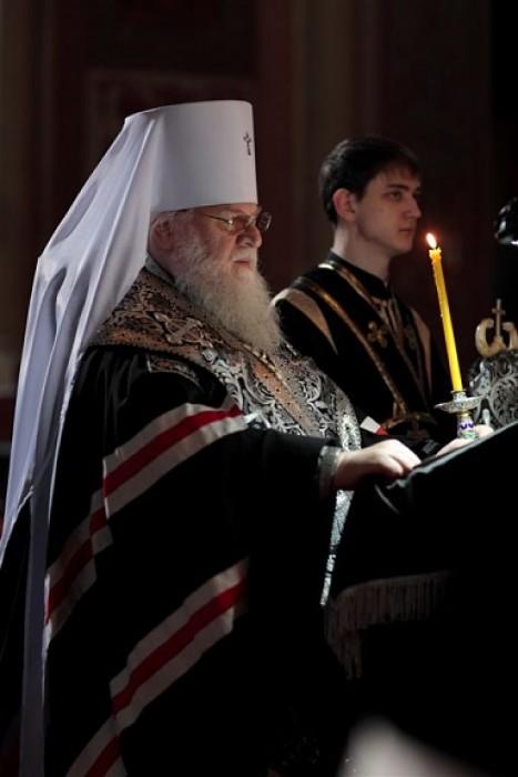 Митрополит Исидор читает канон Андрея Критского