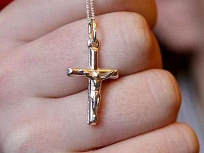 Christians have no right to wear cross at work, says UK Government
