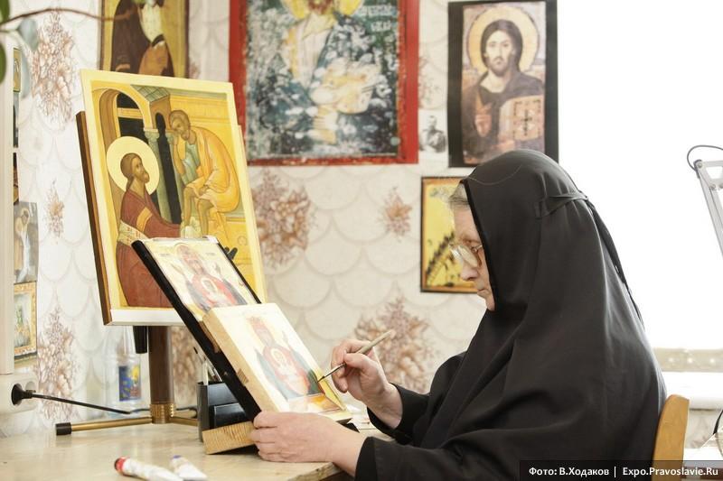 Монахиня-иконописец
