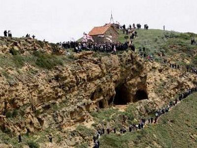 Pilgrims allowed back into Azerbaijan monastery