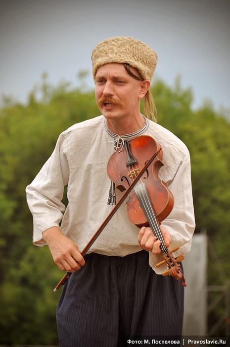 Участник украинского казачьего коллектива «Гуляйгород»