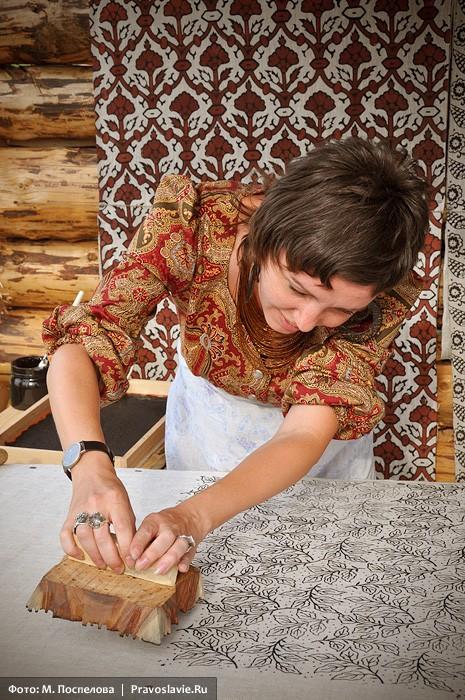 Ручная набойка рисунка на ткань