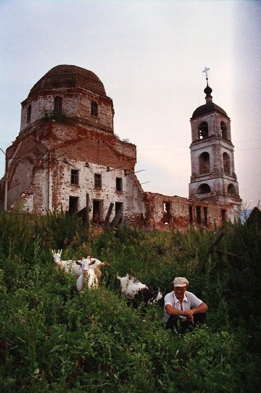 2000 Владимирская обл. село Карачарово. Храм, основанный Ильей Муромцем