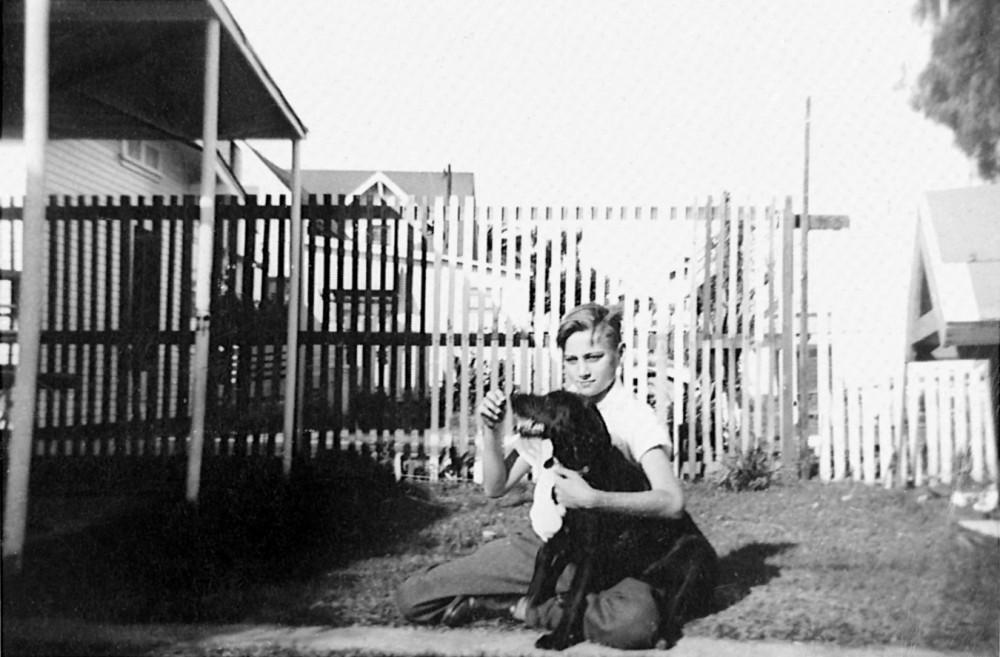Евгений Роуз с любимым псом Дитто