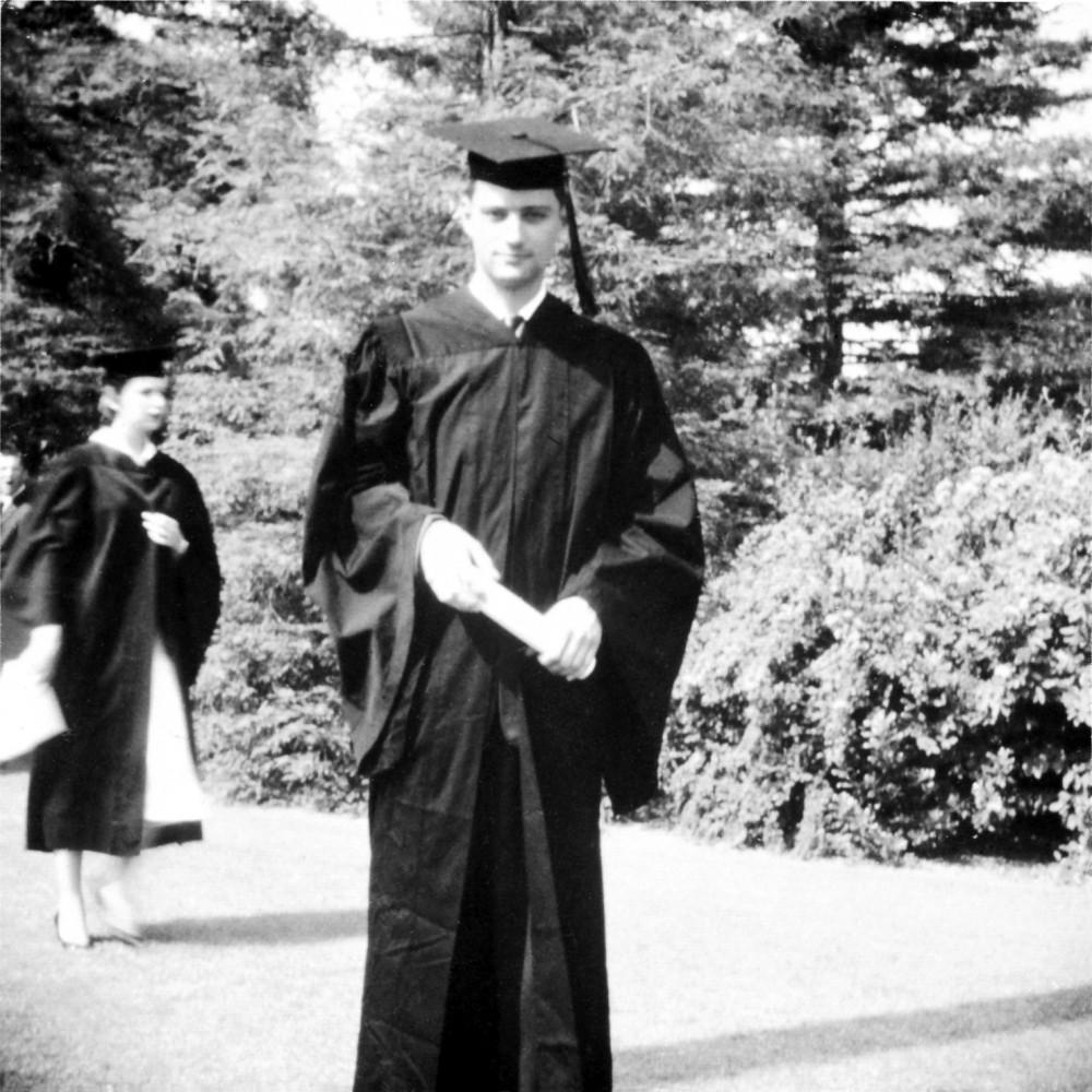 Евгений Роуз — выпускник Помоны. 1956 г