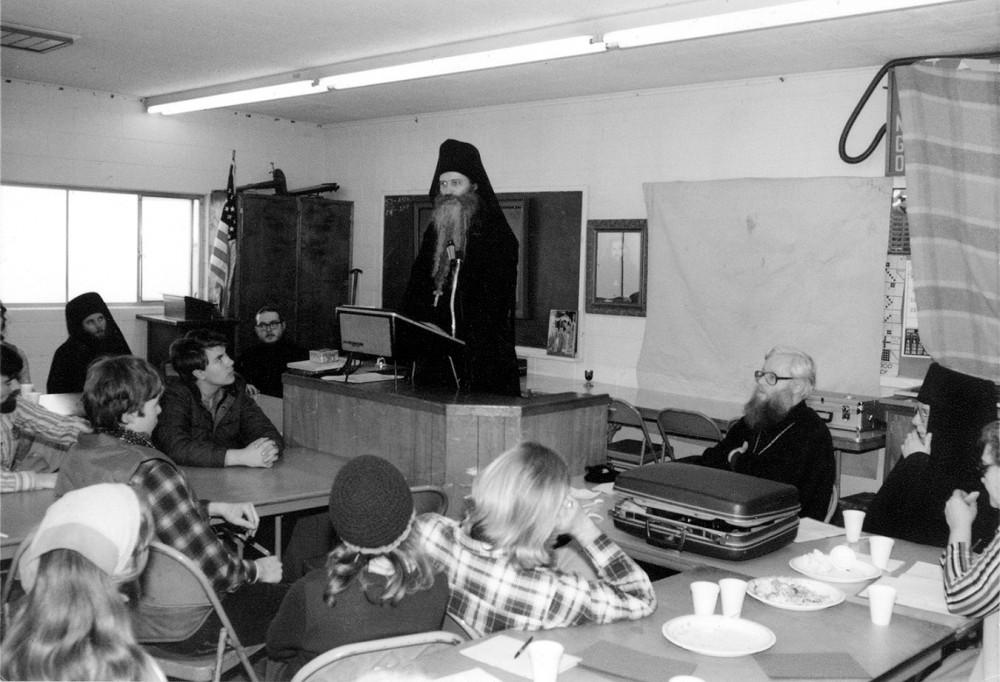 Лекция о. Серафима (Роуза) во время зимнего паломничества в Рединге. 1981 г.