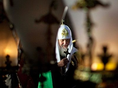 Patriarch Kirill conducts liturgy over Holy Sepulchre