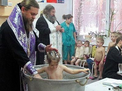 Соборное крещение детей в туберкулезном санатории прошло под Новосибирском
