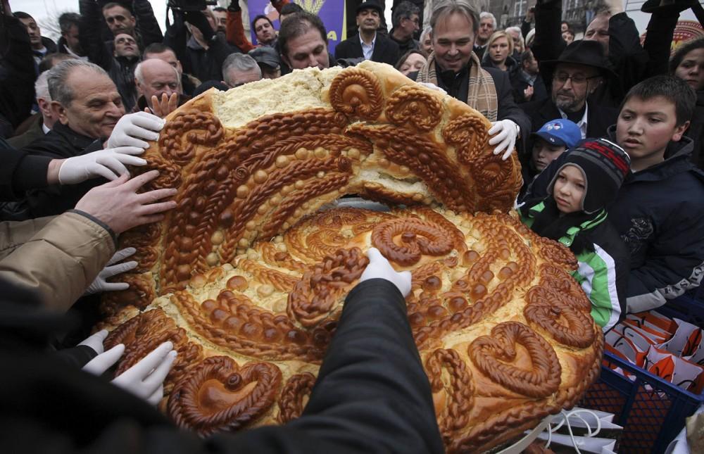Сербский Рождественский хлеб