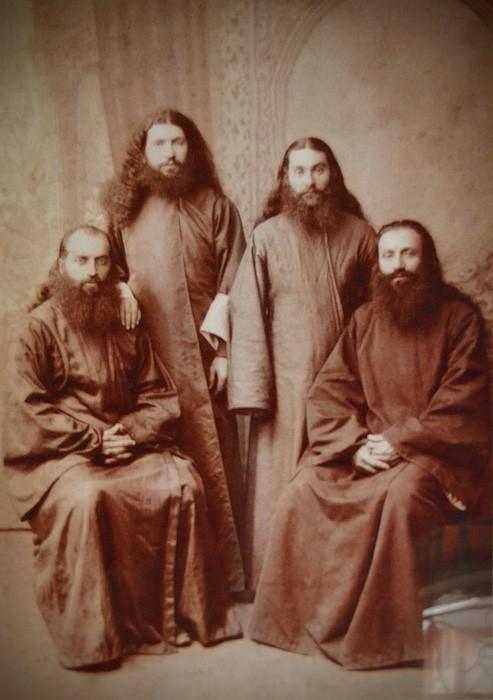 Братья Карбелашвили, которые собирали и записывали церковные песнопения