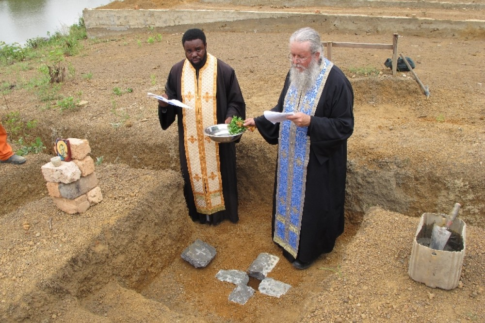 Освящение места для строительства Иоанно-Богословского монастыря