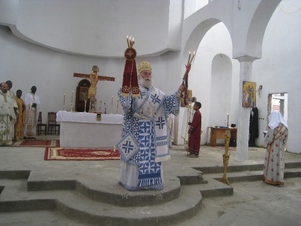 Пуэнт-Нуар, литургия в строящемся храме св. Димитрия Солунского