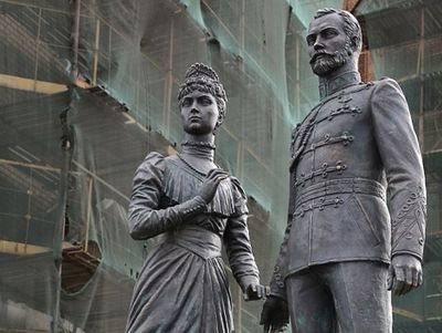 Monument Tsar Nicholas II and Tsaritsa Alexandra opened in St. Petersburg
