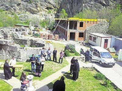 Новая жизнь монастыря Святых Архангелов