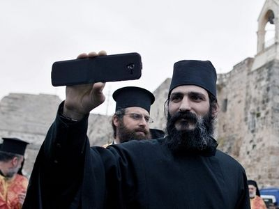 Russian Patriarch Kirill To Monks: Avoid Temptation Of Internet On Cellphones