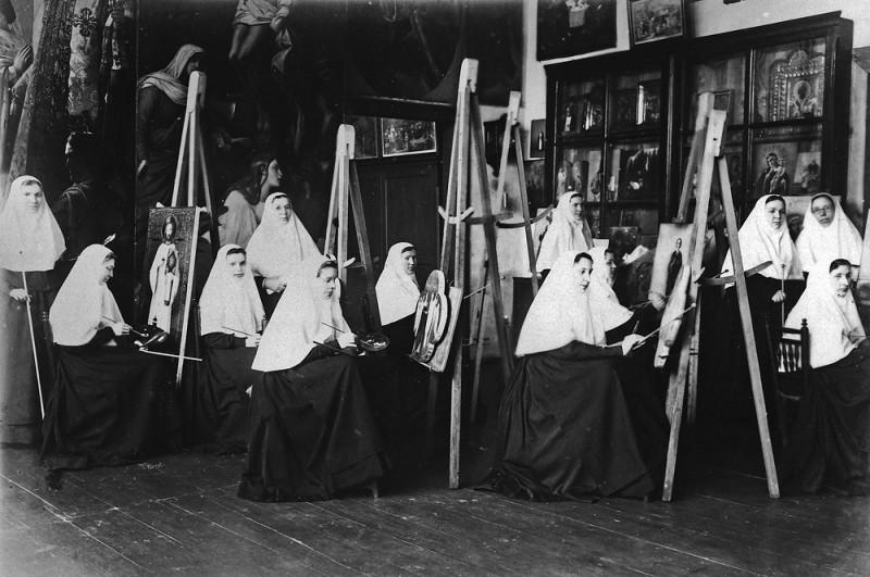 Труды сестер живописного послушания в Серафимо-Дивеевском монастыре