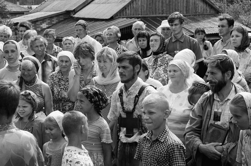 Крестоходцы. Справа: Борис Украинцев, ныне священник