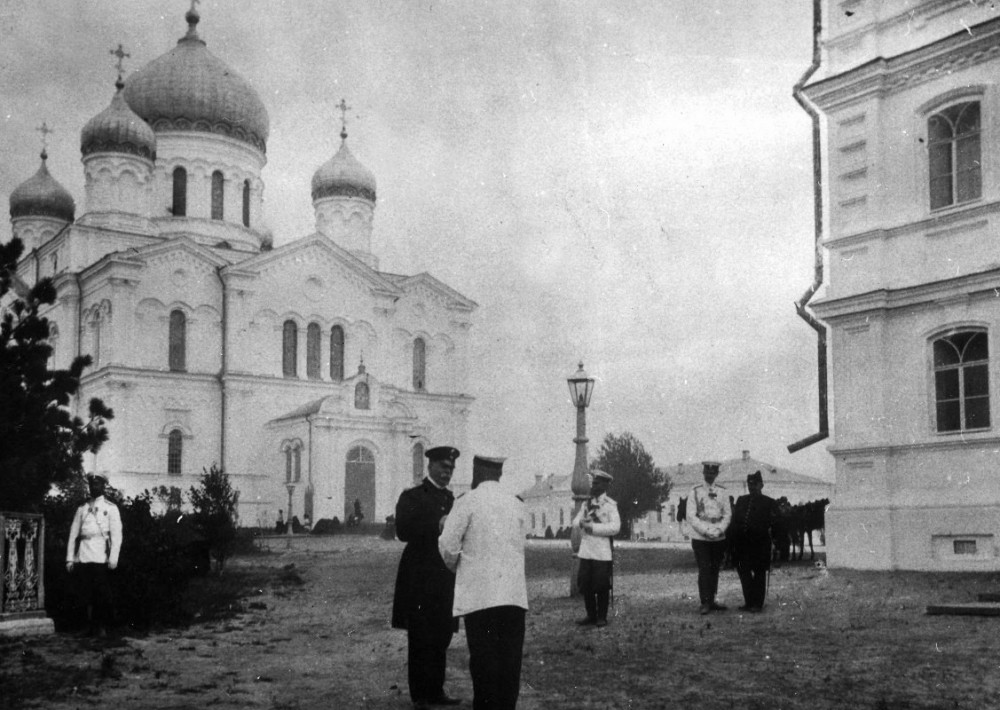 The Holy Trinity Cathedral in Diveyevo Convent during the 1903 solemnities.