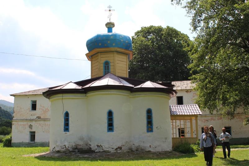 Самый древний действующий храм России