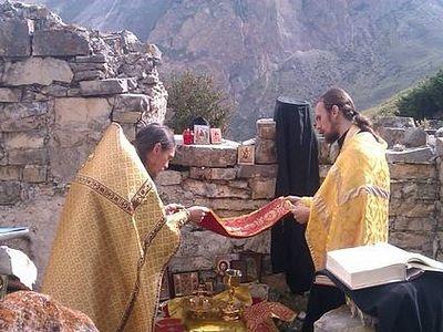 В древней церкви в Чегемском ущелье совершили литургию