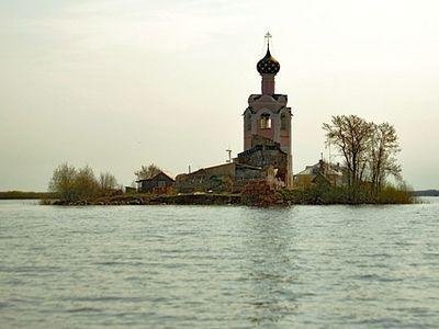 Спасо-Каменный монастырь в ожерелье островных обителей Русского Севера