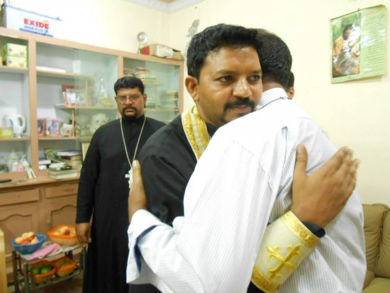 Pakistani Orthodox priest Kirill (ROCOR) greats a new convert