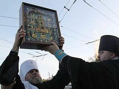 Курская-Коренная икона Божией Матери покинула пределы России