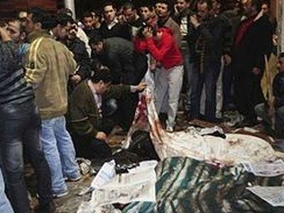 Три человека убиты и более десяти ранены во время нападения на церковь в Египте