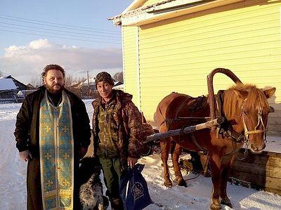 30 человек покрестил батюшка-миссионер в селе за Полярным кругом