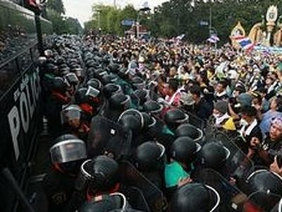 Русский храм в Бангкоке оказался в эпицентре массовых беспорядков