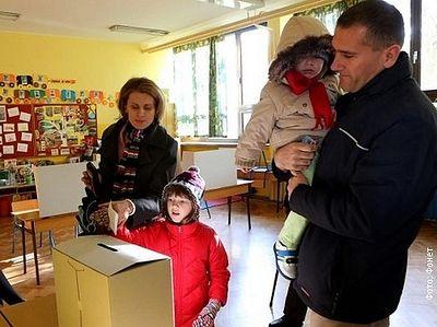 Хорватия сказала нет однополым бракам