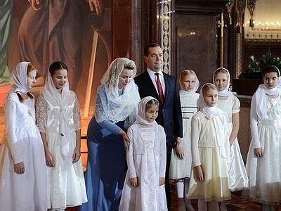 Святейший Патриарх и премьер-министр Медведев обменялись подарками на Рождество
