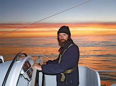 Священник Федор Конюхов провел Великое освящение воды в Тихом океане