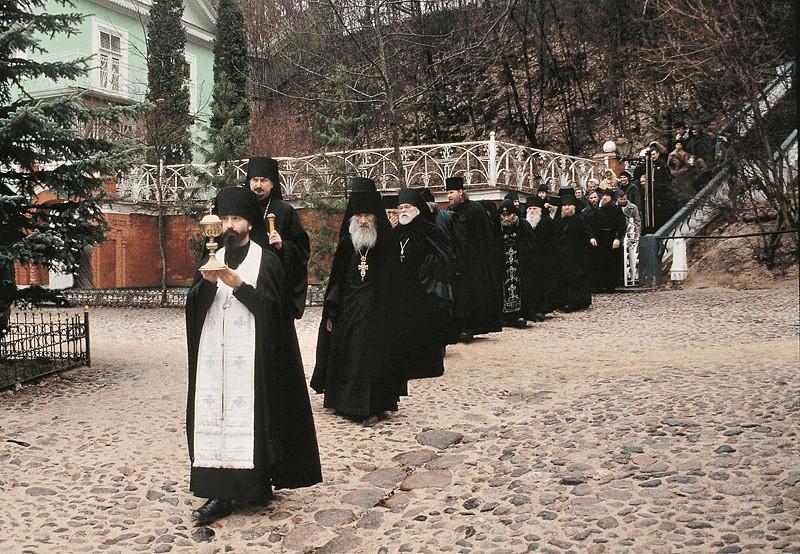 Чин о Панагии в Псково-Печерском монастыре