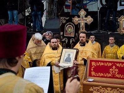 Тысячи людей молились в Севастополе перед иконой «Умягчение злых сердец»