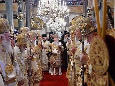 В день Торжества Православия Предстоятели Поместных Церквей совершили Литургию