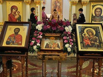 В Пятигорск принесены святыни для возрождаемой монашеской обители