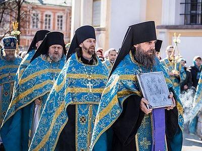 Наместник Александро-Невской Лавры: Будем совершать молитвенные стояния у Благовещенской церкви, пока ее не вернут