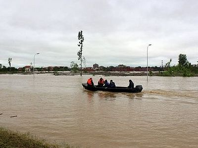 Сербия подарила России икону за помощь с наводнением